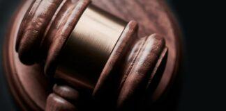 closeup photo of gavel